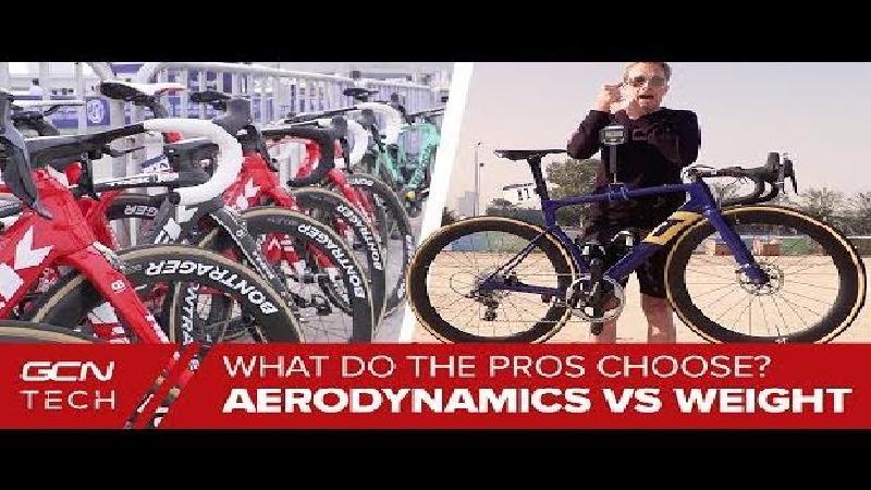 Kiezen profrenners voor de aero- of klimfiets? (VIDEO)