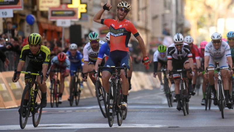 Nibali houdt sprinters af in Milaan-Sanremo