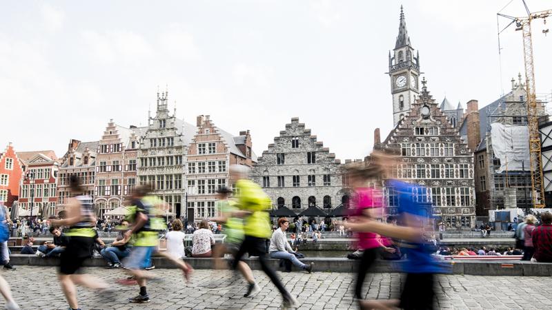 Fintro Stadsloop De Gentenaar doet reputatie van gezelligste stadsloop alle eer aan
