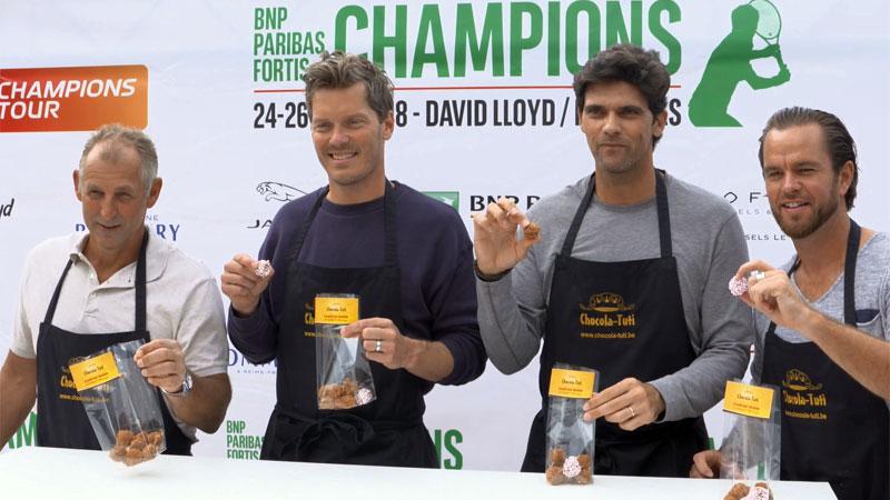 Ex-tennissterren leven zich uit met chocolade (VIDEO)