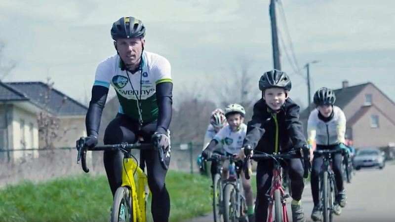 Sven Nys Academy helpt 500 fietsertjes veilig op weg (VIDEO)