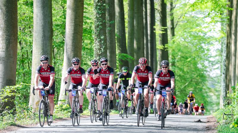 Bijna 3000 wielertoeristen genieten van zalige Peter Van Petegem Classic
