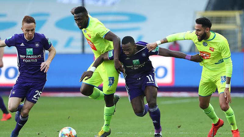 Anderlecht en Gent schieten weinig op met gelijkspel