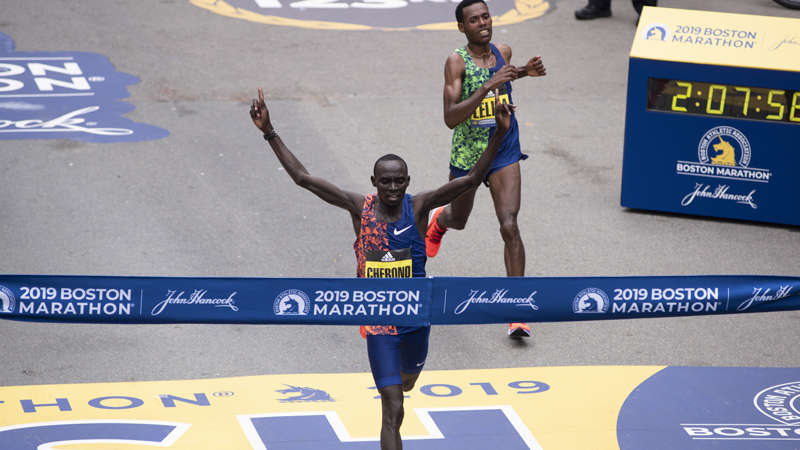Cherono wint marathon van Boston na beklijvende sprint