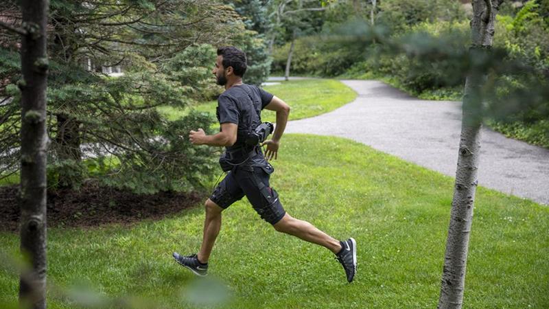 Wetenschappers ontwikkelen broek die je sneller laat lopen