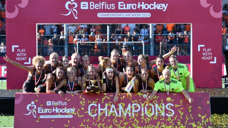 Tiende Europese titel voor Oranje, Spanje derde na shoot-outs