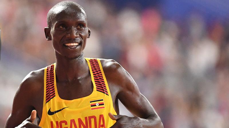 Cheptegei snelt naar wereldrecord op de 10 kilometer