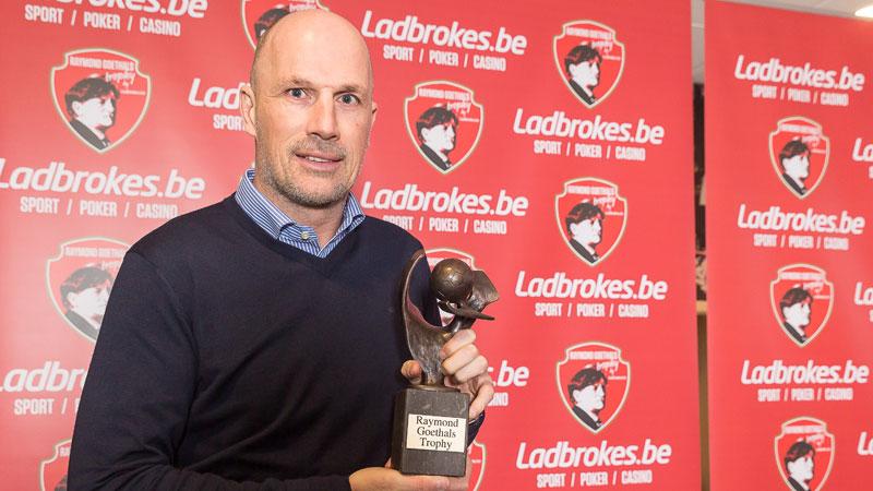 Philippe Clément reçoit un second trophée Raymond Goethals