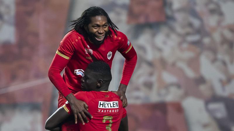 L'Antwerp remercie Mbokani