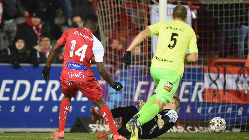 Moeskroen pakt gouden punten tegen KV Oostende