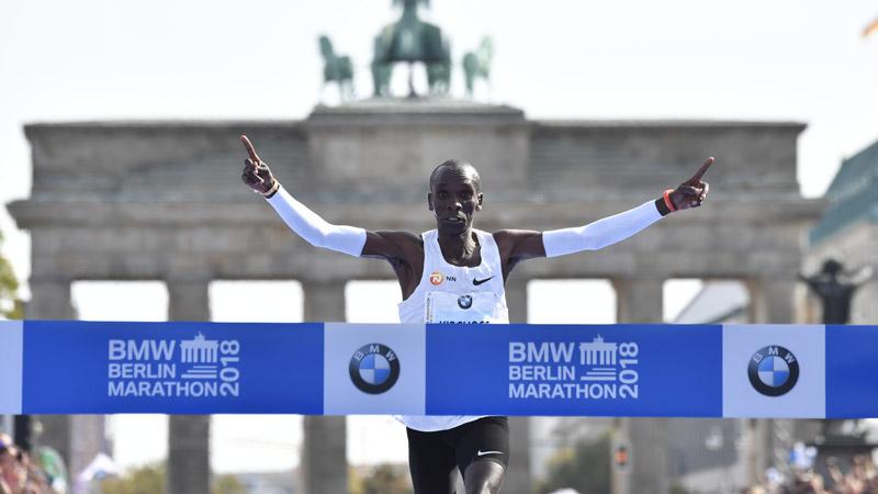 Eerste marathon voor Kipchoge na wereldrecord wordt meteen fameuze clash