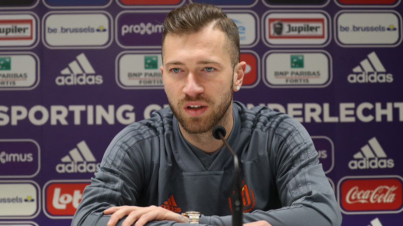 Anderlecht stelt nieuwe spelmaker voor: 'Beste speler van België worden'