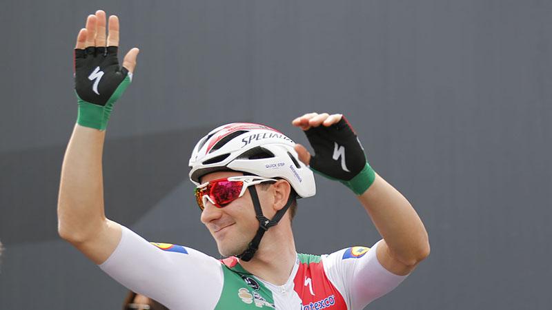 Viviani te snel voor Sagan, Stuyven op podium