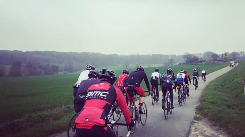 3000 participants à la découverte du nouveau parcours de Dwars door Vlaanderen Cyclo