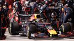 Verstappen écrit l'histoire de la F1... aux stands