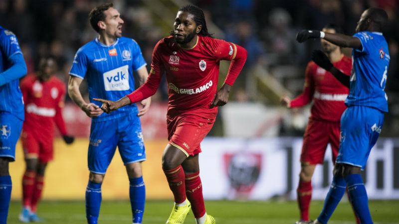 Mbokani schiet Antwerp met 99ste en 100ste goal in België voorbij AA Gent