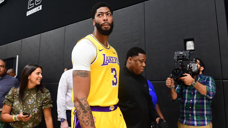 Anthony Davis emmène les Lakers sous les sifflets à la Nouvelle-Orléans (VIDEO)