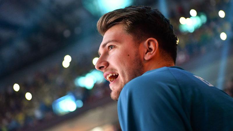 Doncic et les Mavs font plier les Rockets (VIDEO)