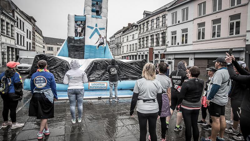 Regenachtige, maar plezante zesde editie van de Mons Urban Trail