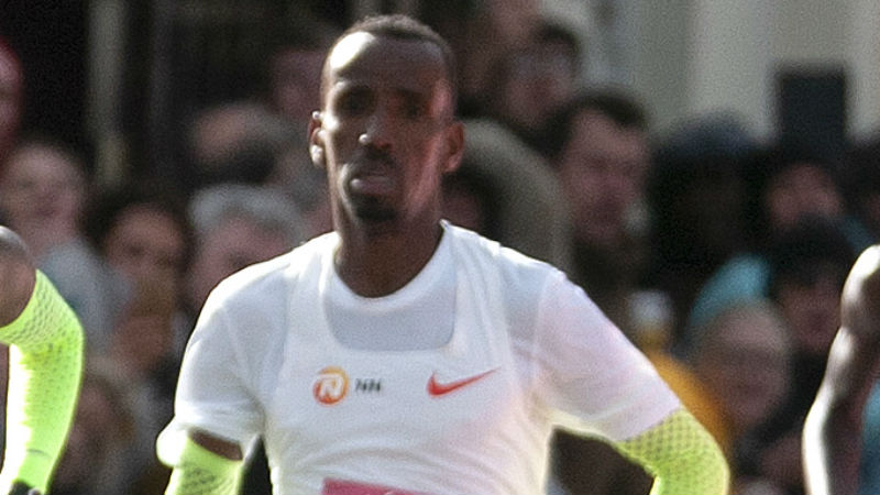 Bashir Abdi stelt eigen BR gevoelig scherper en finisht als vijfde in marathon van Chicago
