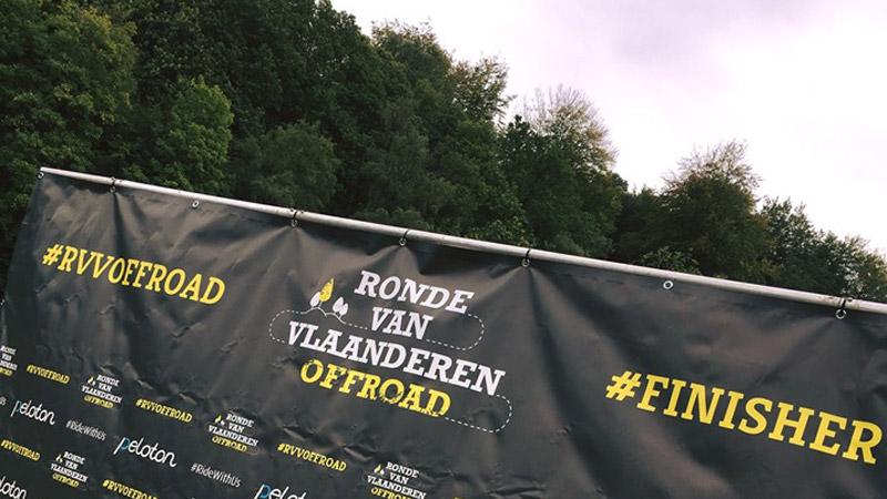 La boue et les participants au rendez-vous du Ronde van Vlaanderen Offroad
