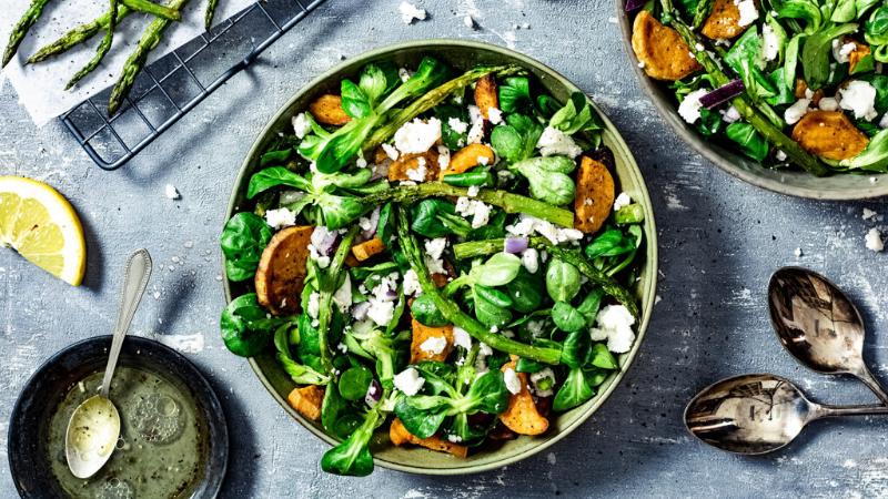 Recept: lentesalade met asperges en zoete aardappel