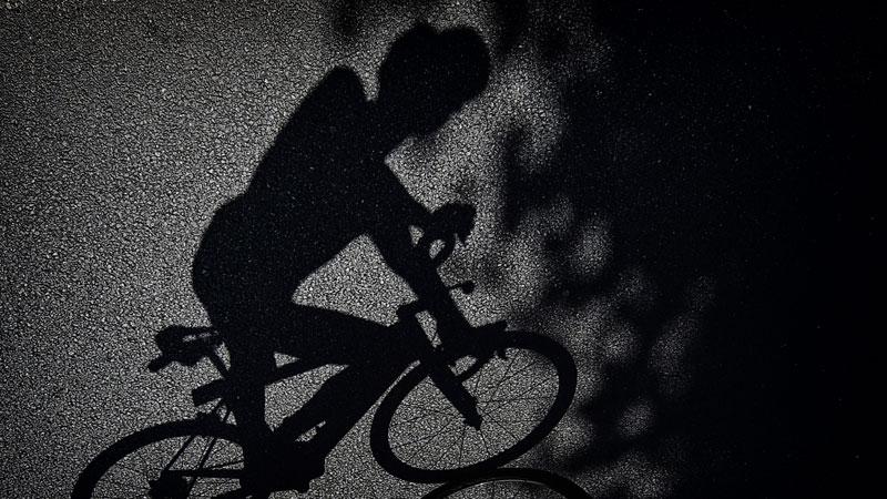 'Les normes pour les casques de vélo doivent être plus strictes'
