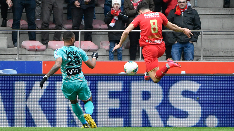 Charleroi en Antwerp delen de buit