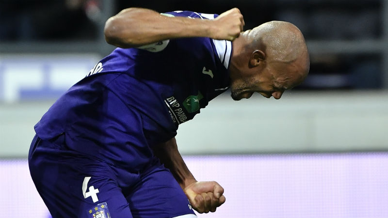 Anderlecht doet vertrouwen op met 6-1 zege tegen tienkoppig Eupen