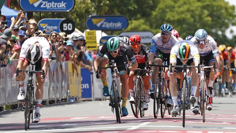 Bennett gagne d'emblée pour Deceuninck-Quick.Step