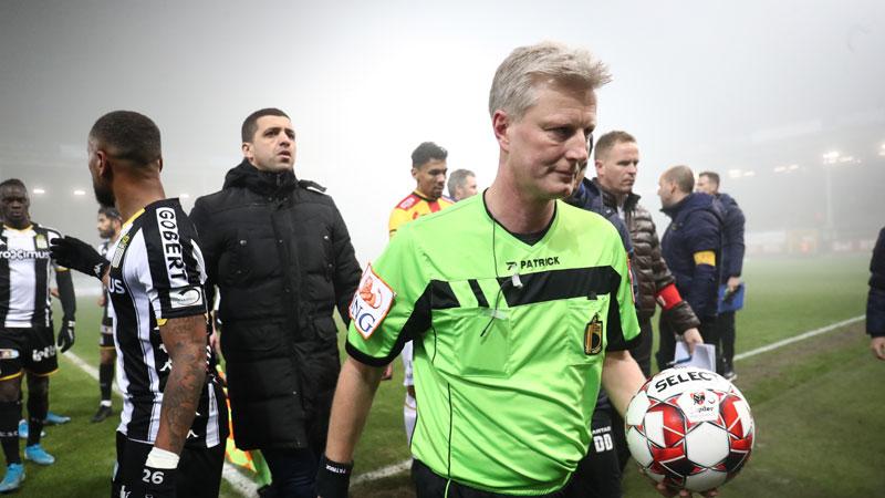 Charleroi - KV Mechelen gestaakt wegens dikke mist