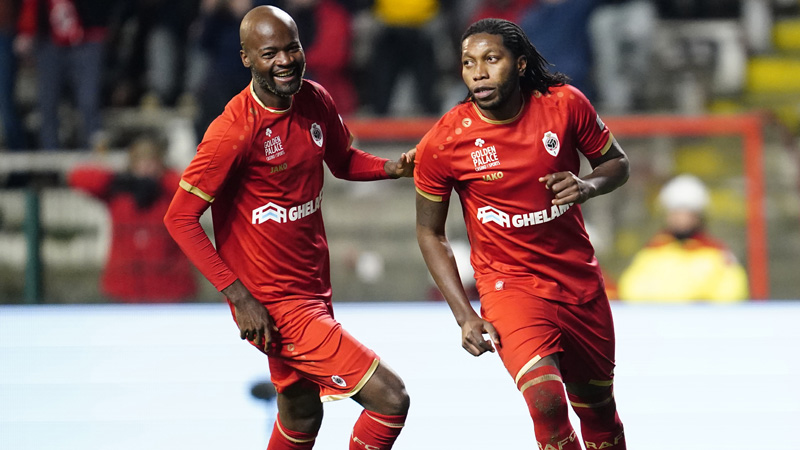 Mbokani reprend ses distances