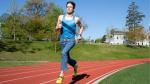 Nieuw wereldrecord: 1 mijl lopen in jeansbroek