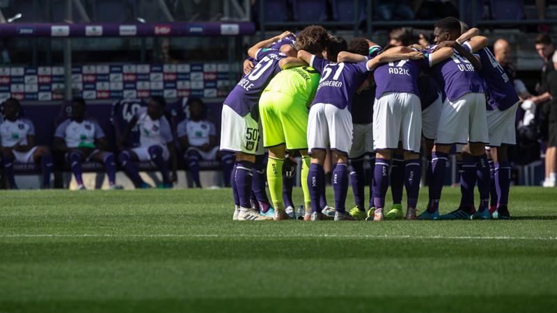 Anderlecht legt nieuwe grasmat aan voor snel, aanvallend en technisch voetbal