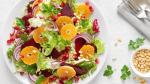 Seizoensrecept: salade met rode biet, sinaasappel en granaatappelpitjes