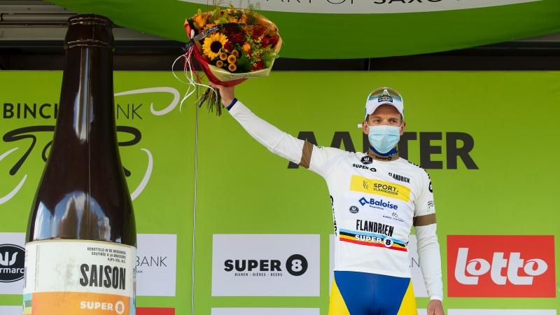 Van Rooy dépossède Menten du maillot blanc: 'Il sera fier de moi'