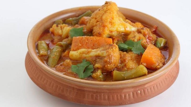 Herfstig comfort food: verwarmende curry met kikkererwten & bloemkool