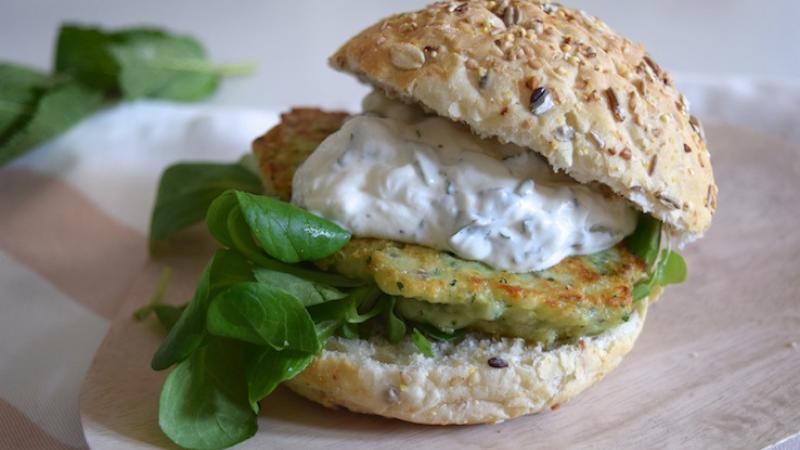 Recept: healthy cheeseburger met courgette