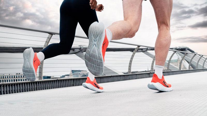 HOKA ONE ONE valt wereldrecord aan met nieuwe schoen
