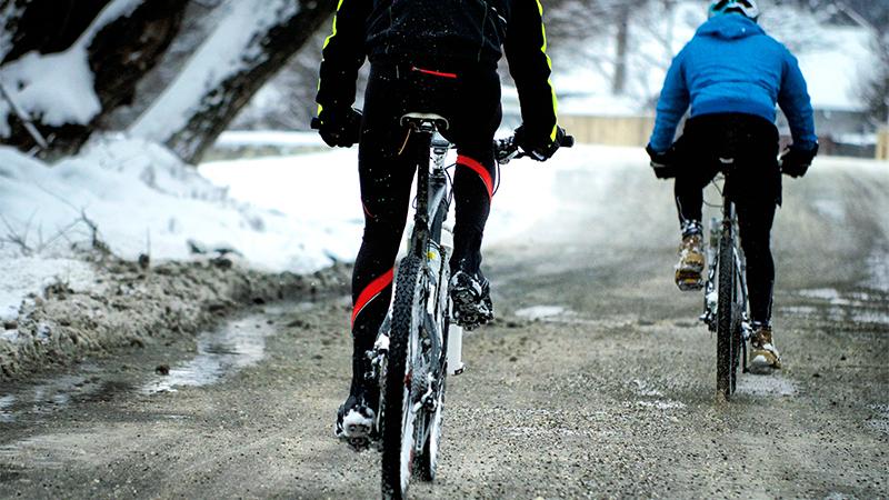 De voordelen van alternatief trainen in de winter (+ de beste sporten voor lopers)