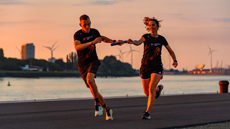 Loop de Port of Antwerp Night Marathon in team!