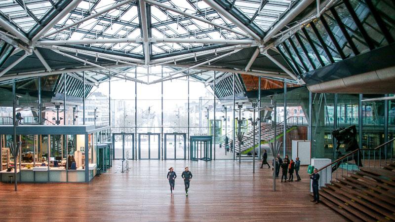 Le Keytrade Bank Urban Trail Antwerp à travers le Palais de Justice et DPG Media