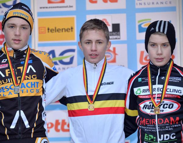 Hij hield Tijl Pauwels en Alex Colman af. (foto belga): www.sport.be/nl/wielrennen/veldrijden/fotospecial/?fotospecial_id...