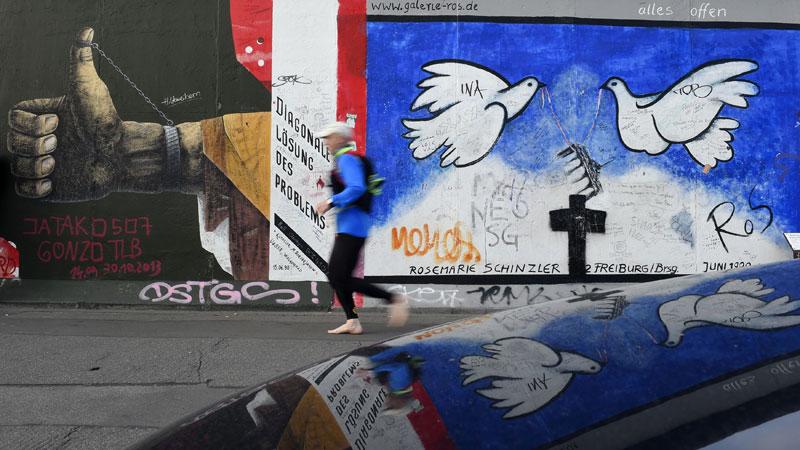 100 mijl langs de Berlijnse Muur