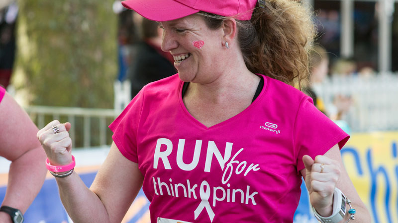 Run for Think-Pink op de DVV Antwerp 10 Miles