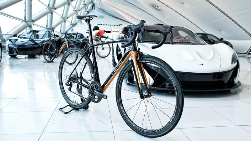 Overhandiging S-Works McLaren Tarmac