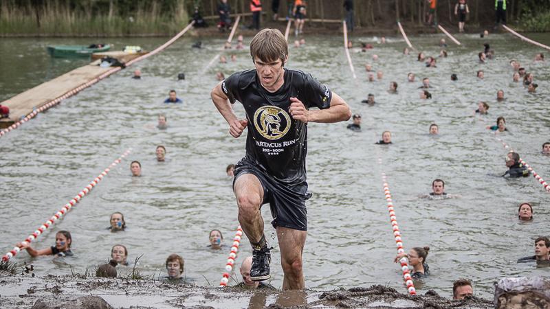 Opnieuw 6500 moedigen op tweede dag Spartacus Run