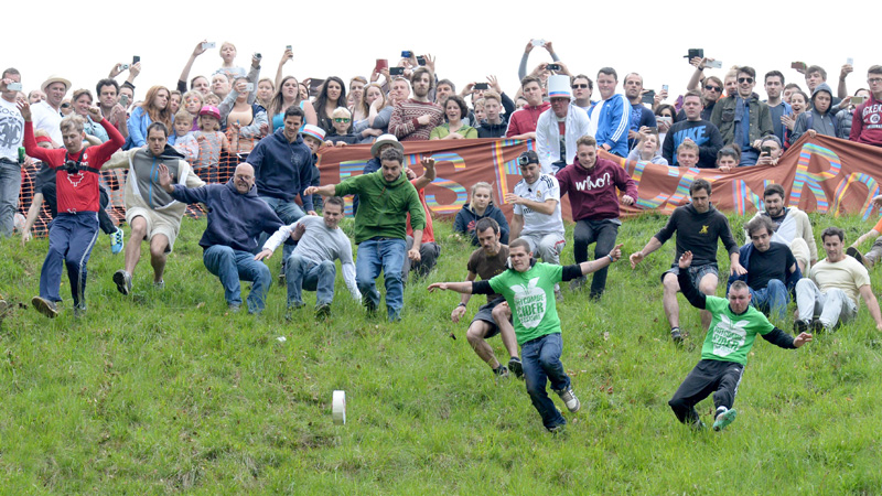 Gloucestershire Cheese Rolling 2015