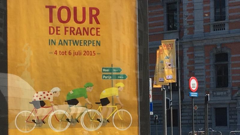 Antwerpen kleurt helemaal geel