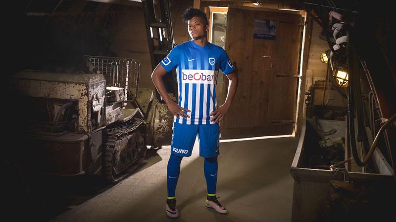Nieuwe shirts KRC Genk